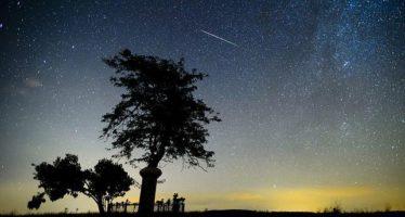 Soplar las velas o decir «sí, te quiero» bajo una lluvia artificial de meteoritos