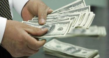 El dólar llega a 16.85 pesos en ventanillas bancarias