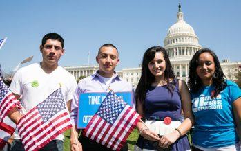 20 mil mexicanos con doctorado trabajan en EU; aquí no hay empleo, dicen