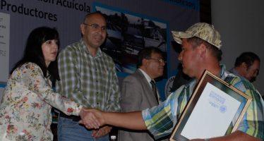 Inversión de cuatro millones de pesos en el sector acuícola en Michoacán