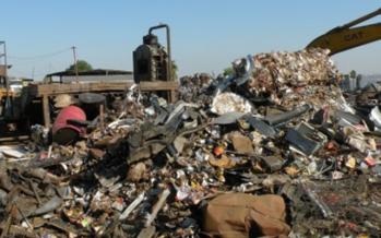 Clausuran empresa dedicada al reciclaje de plásticos y metales por peligro ecológico