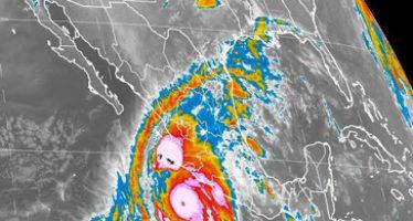 Se aproxima súper huracán Patricia a costas de Jalisco y Colima; es el más intenso en la historia del pacífico Nororiental