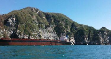 """Inician labores de retiro de residuos contaminantes del buque """"Los Llanitos"""""""