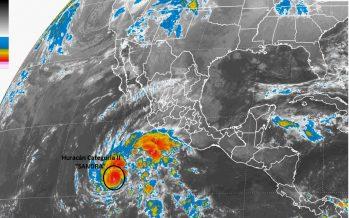 Sandra pasa a ser huracán categoría 2