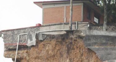 Demolerán casa en zona de deslaves en Santa Fe