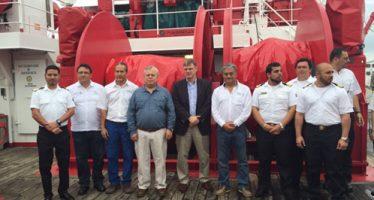 Alto funcionario de la FAO visita buque de investigaciones del INAPESCA