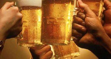 Beber causa desequilibrios en la microbiota que se asocian con enfermedades hepáticas