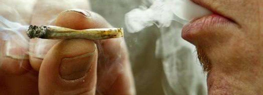 Fumar marihuana hace más propensas a las personas a consumir otras drogas