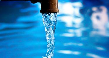 Pueblos cortan el agua a la termoeléctrica