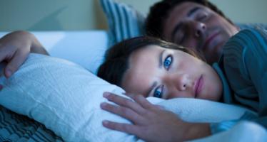 ¿Sabes por qué te despiertas a la mitad de la noche?