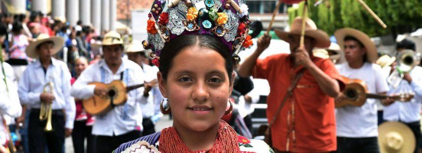 Reconoce Silvano Aureoles trabajo de artesanos michoacanos