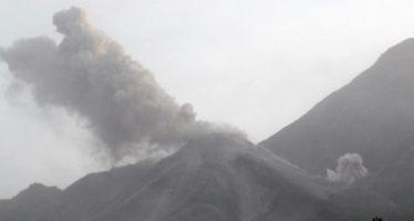 El volcán Santiaguito entró en erupción