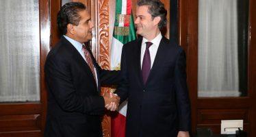 Revisan agenda educativa para Michoacán