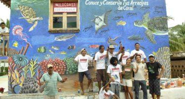 Mural oceánico en Puerto Ángel, Oaxaca