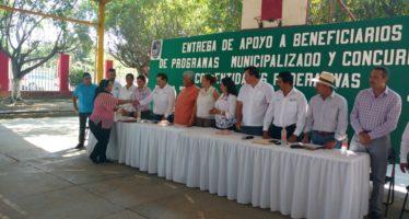 33. mdp son entregados a productores de la región de Apatzingán