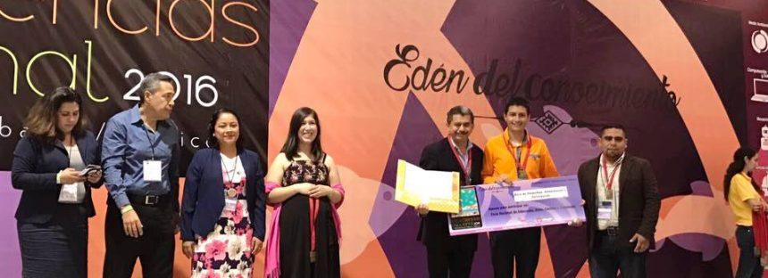 Alumnos de CECyTEM de Penjamillo ganan en Exponencia Nacional 2016