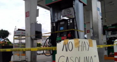 Restablecen provisiones de gasolina en todos los municipios afectados de Michoacán