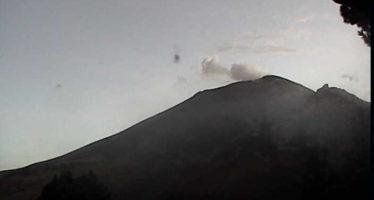 Cinco exhalaciones de baja intensidad en volcán Popocatépetl.