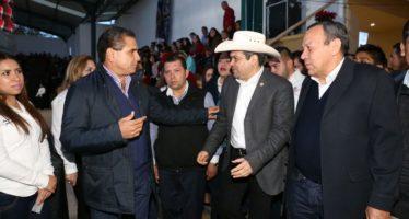Silvano Aureoles exhorta a sumar esfuerzos en gestión para fortalecer a municipios.
