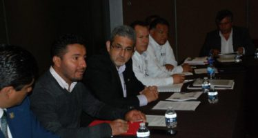 Funcionarios de distintos partidos políticos trabajarán juntos a favor de producción del campo