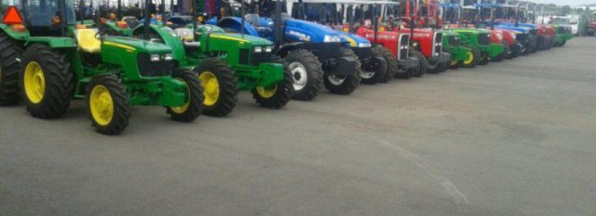 Hicieron entrega de 15 tractores a fin de año para fortalecer producción del campo en Michoacán