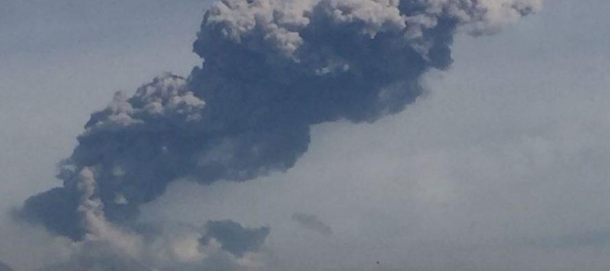 Explosión de dos mil metros es registrada esta mañana en Volcán de Colima
