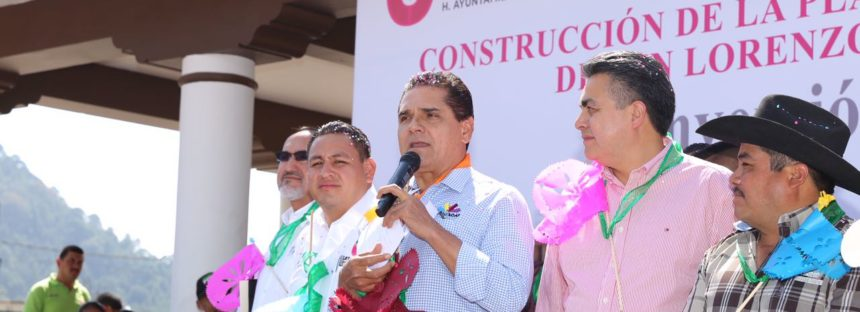 Inaugura Silvano Aureoles obras en la comunidad de San Lorenzo, municipio de Uruapan