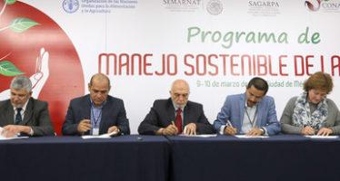 Impulsa Semarnat proyecto para reducir degradación de suelos en tres estados del país