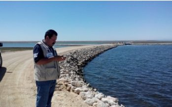 Para evitar derrames, verifican vasos de salmuera de la empresa Exportadora de Sal, SA de CV de Guerrero Negro