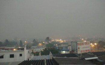 Incendio del pantanal cubre de humo el puerto de Coatzacoalcos