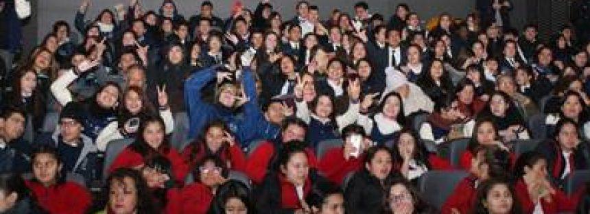 Sensibilizan a ciudadanos de Chile sobre la protección del medio ambiente a través del cine