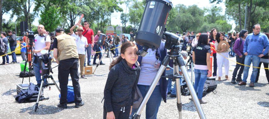Enorme respuesta de los mexicanos ante difusión del eclipse solar por parte de la UNAM