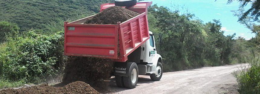 Se abren y rehabilitan 58 kilómetros de caminos en Aguililla, Michoacán