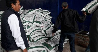 Entrega Sedrua 35 toneladas de fertilizante en Tzintzuntzan