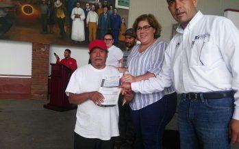 Apoya Sedrua a pescadores michoacanos en Santa Ana Maya