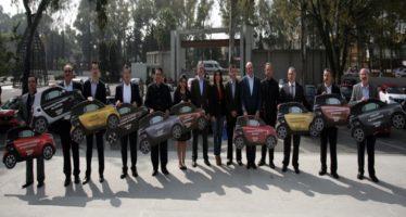 Para investigaciones y uso experimental, Mercedes Benz dona 10 autos al IPN, UNAM y Conalep