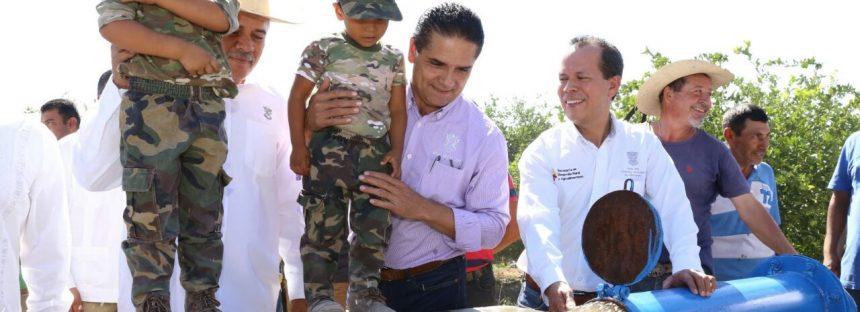 Gobernador inaugura y arranca obras por 2.5 mdp en San Antonio La Labor