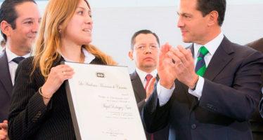 Abigail Rodríguez Nava de la UAM-X recibe Premio de Ciencia y Tecnología 2017 en Ciencias Sociales