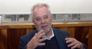 Donald Dingwell, presidente de la Asociación Internacional de Vulcanología comparte su ciencia con vulcanólogos mexicanos