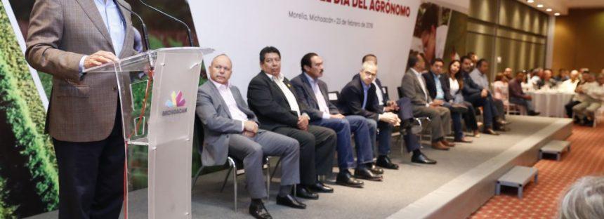 Asume Silvano Aureoles compromisos con el sector agrónomo michoacano
