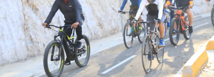 Con recorrido en bicicleta, inaugura Gobernador ciclovía Morelia- Pátzcuaro