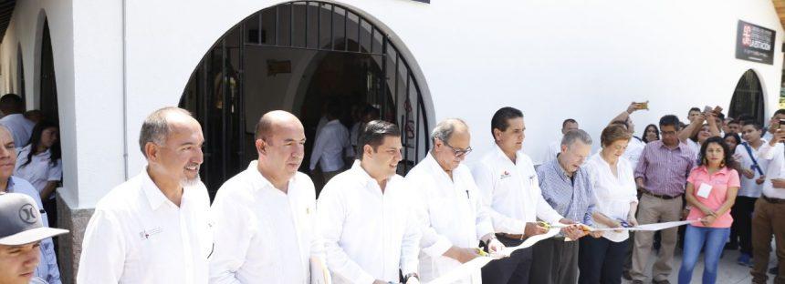 """Entregan Centro Cultural """"La Estación"""" en Apatzingán para reconstruir tejido social"""