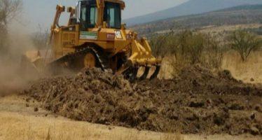 Rehabilitan 48 kilómetros de caminos rurales en Tacámbaro
