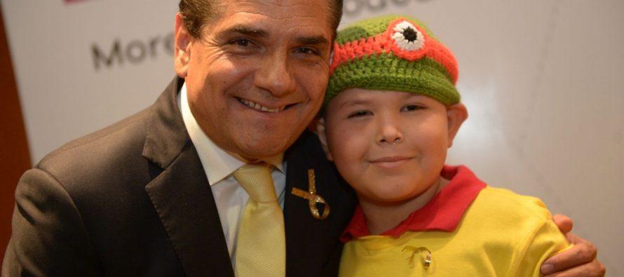 Compromete Gobernador garantizar tratamiento a niñas y niños con cáncer