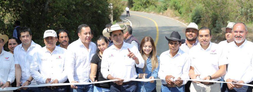 Destina Gobierno del Estado 230 mdp en reconstrucción de caminos de la región Oriente