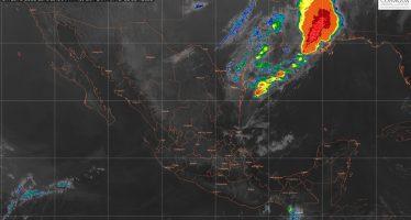 Tormentas de intensas a torrenciales con actividad eléctrica y granizo en regiones de Tabasco, Chiapas, Veracruz y Oaxaca.