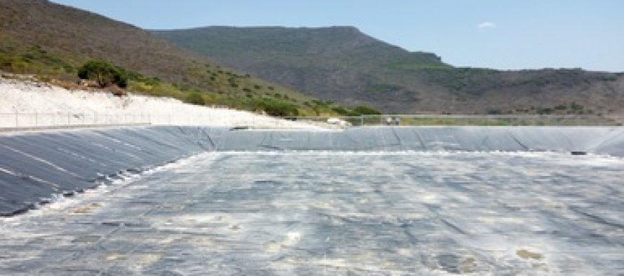 Clausuran bordo de captación de agua pluvial Reserva de la Biosfera Sierra Gorda de Guanajuato