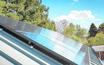 La energía solar generó más electricidad que los combustibles fósiles en 2017