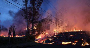 La lava del volcán Kilauea llega a la planta geotérmica y cubre uno de sus pozos