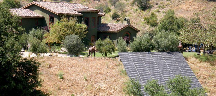 California obliga a poner paneles solares en las casas nuevas